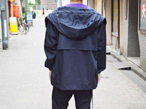 BASISBROEKのフードジャケット