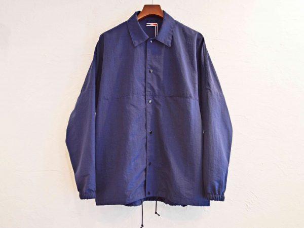 ionoiのコーチジャケット