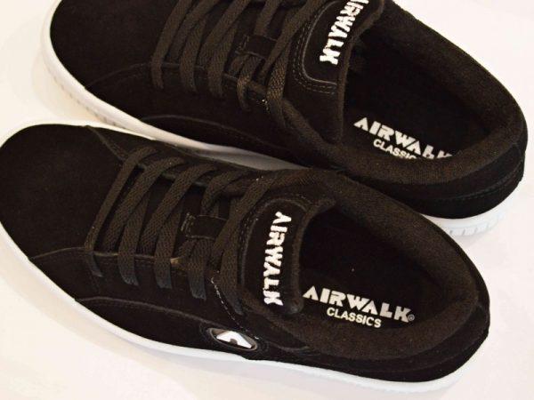 """AIRWALKの""""ONE"""""""