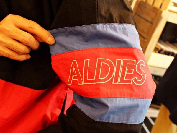 ALDIESのビックトレーナー