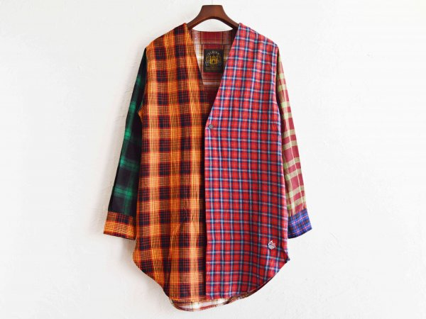 カラーレスネルロングシャツ。