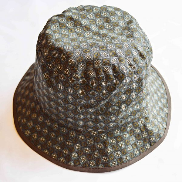 HANDLE BACKET HAT