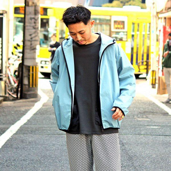 寒暖差の激しい時期に最適な一着